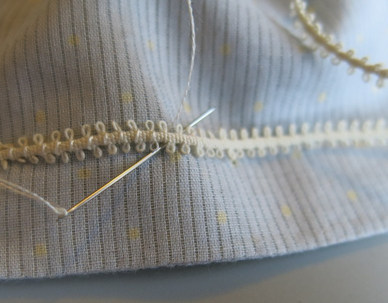 Stitching on the trim (outside)