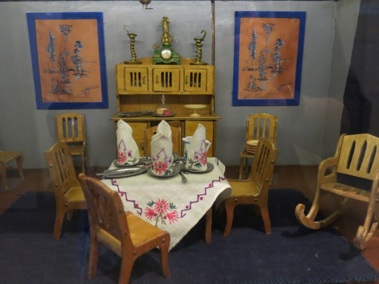 Dollhouse Dining room in the National Museum