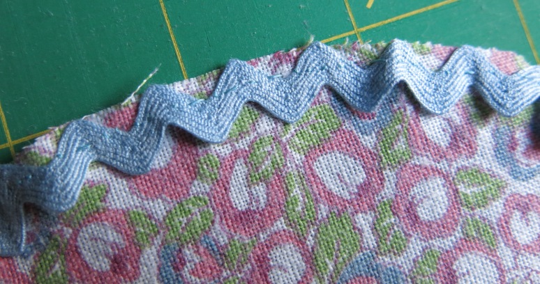 Sewing the rickrack