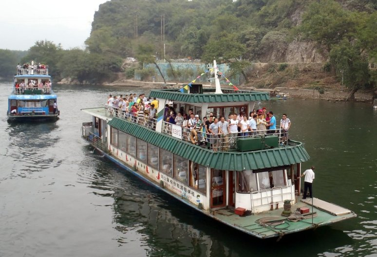 Li River Cruise Boat