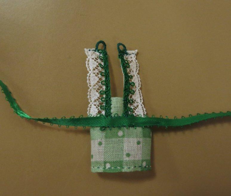 Ribbon at waist