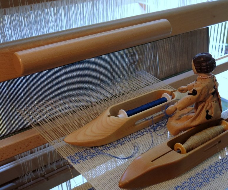untangling the supplementary weft