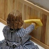 Coating the Wood Panelling